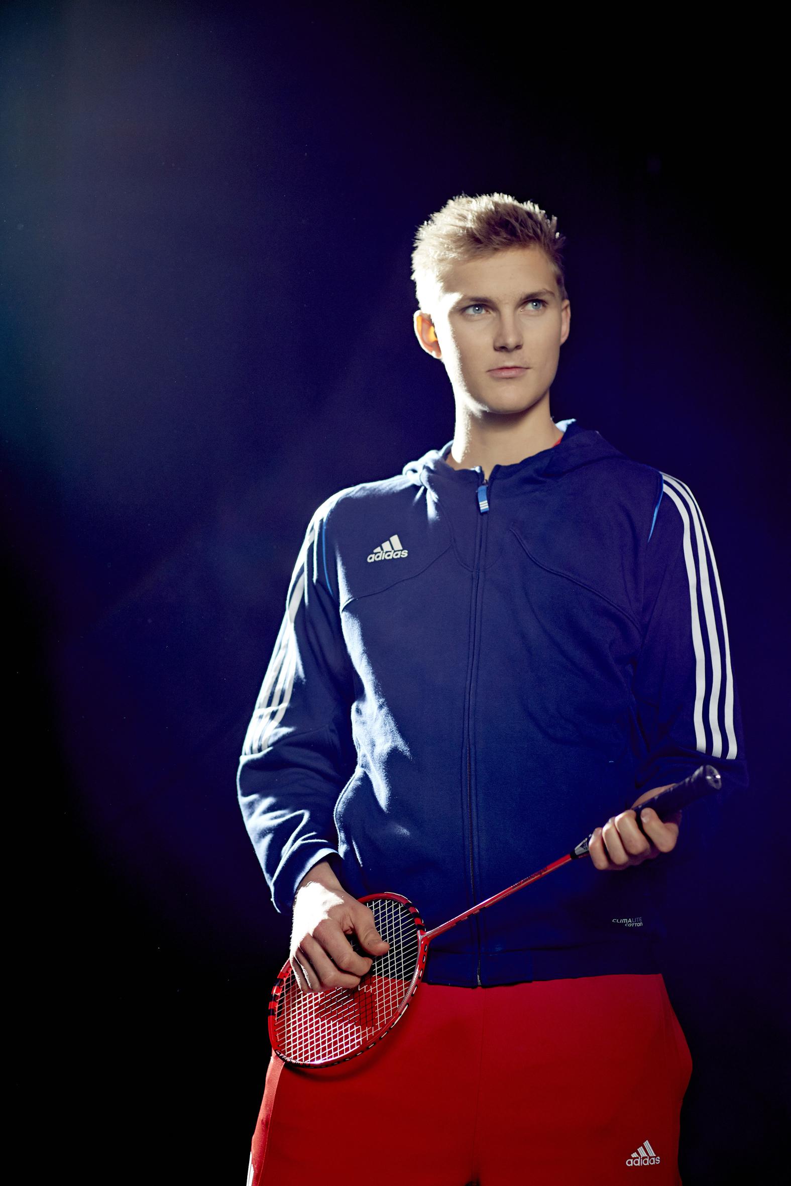 Viktor Axelsen, ambassadeur adidas pour le badminton