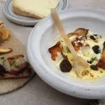 Girolles et morilles poêlées, velouté d'Ossau-Iraty au vin jaune du Jura