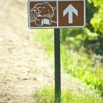 Un panneau de signalisation sur la Route du fromage - @OssauIraty