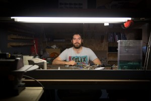 Les makers d'ICI Montreuil créent avec Dremel
